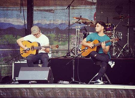 Akustisches Gitarrenduo für Festivals und Open Airs