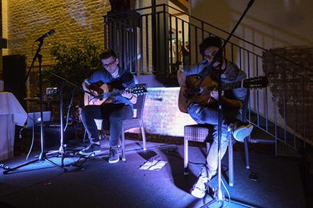 Instrumentales Gitarrenduo für Clubs und Bars